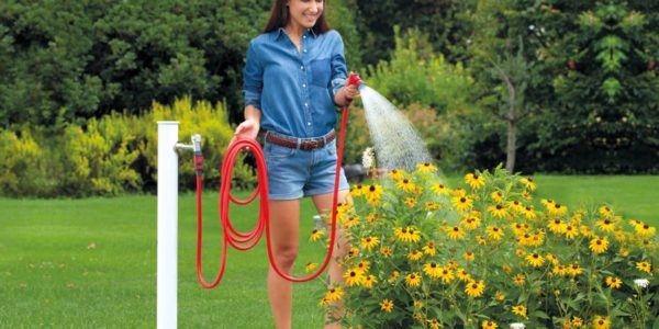 yoyo-hose-in-the-garden